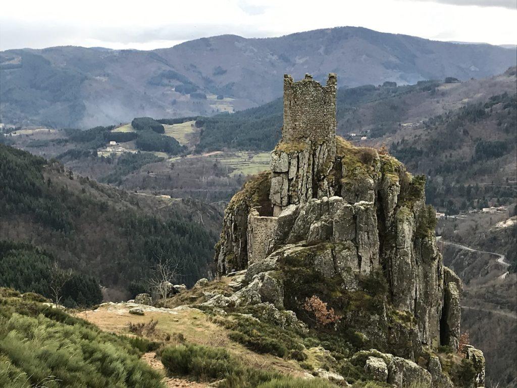 chateau de rochebonne ardeche trail la voie romaine